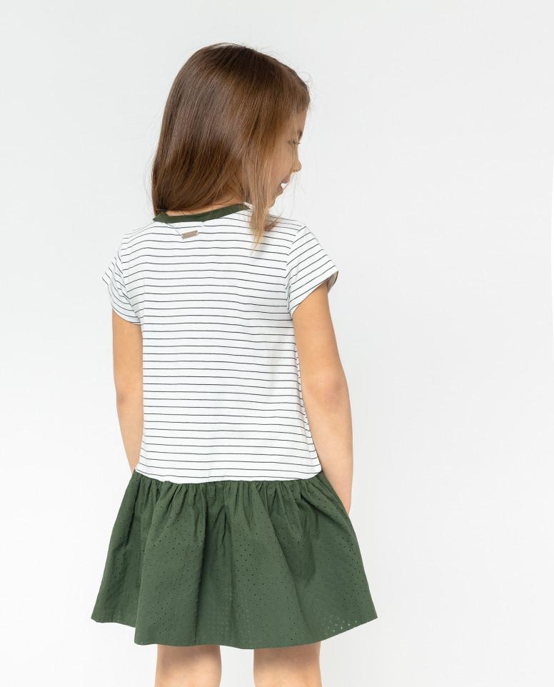 Платье с аппликацией