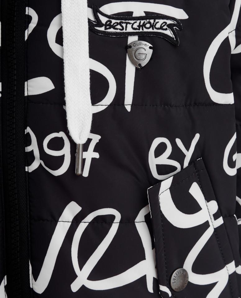 Черная демисезонная куртка с орнаментом
