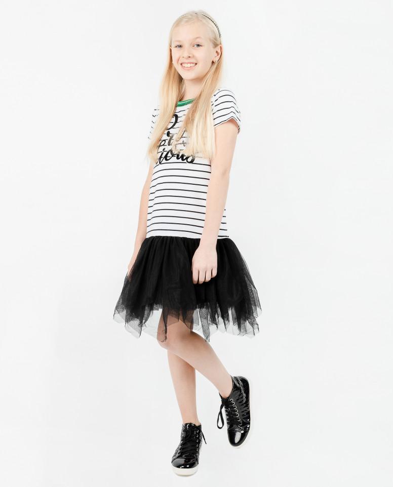 Платье с черной сеткой