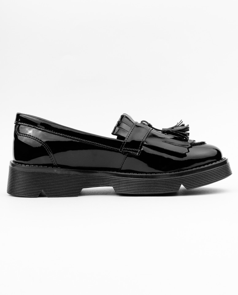 Туфли из лаковой искусственной кожи