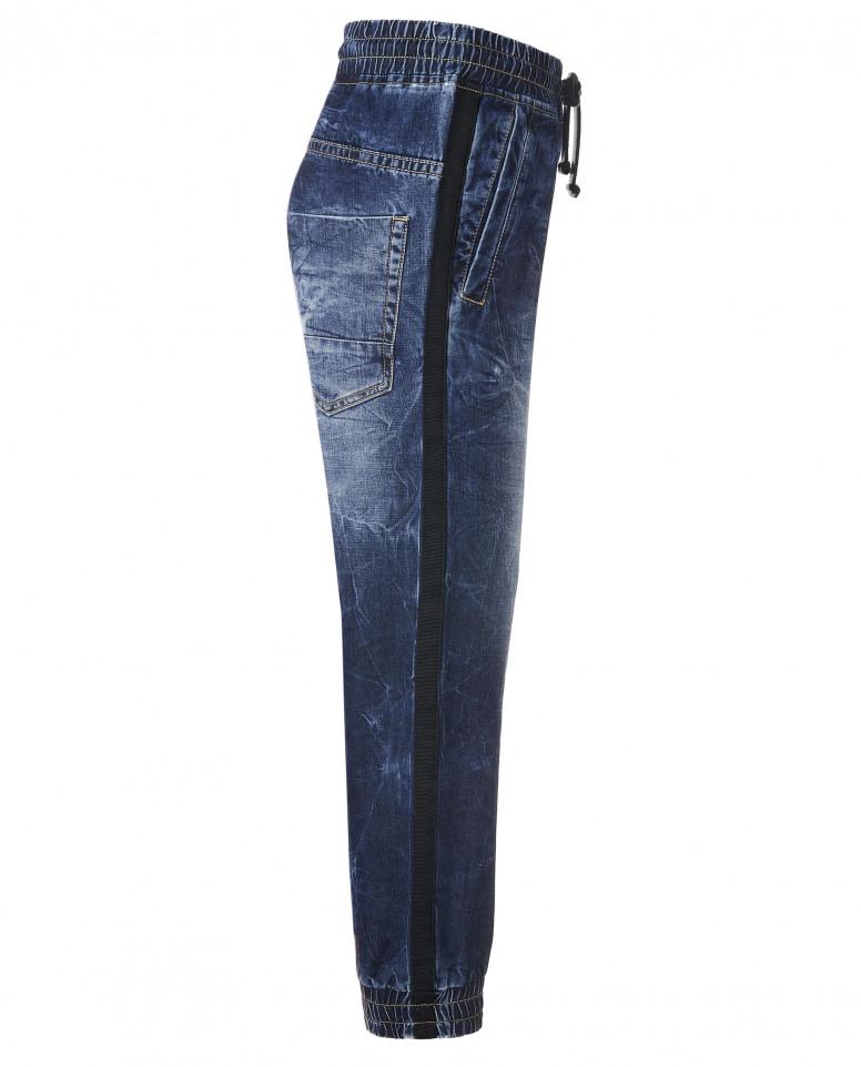 Синие тонкие джинсы