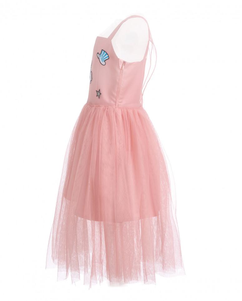 Розовое многослойное платье