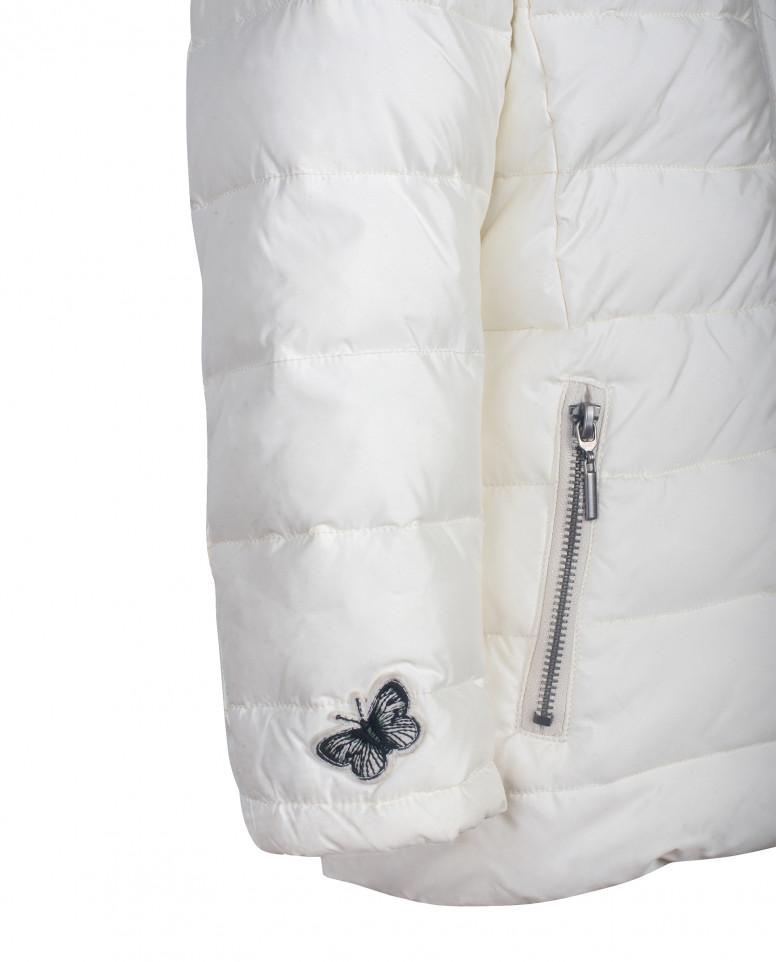 Белая зимняя куртка