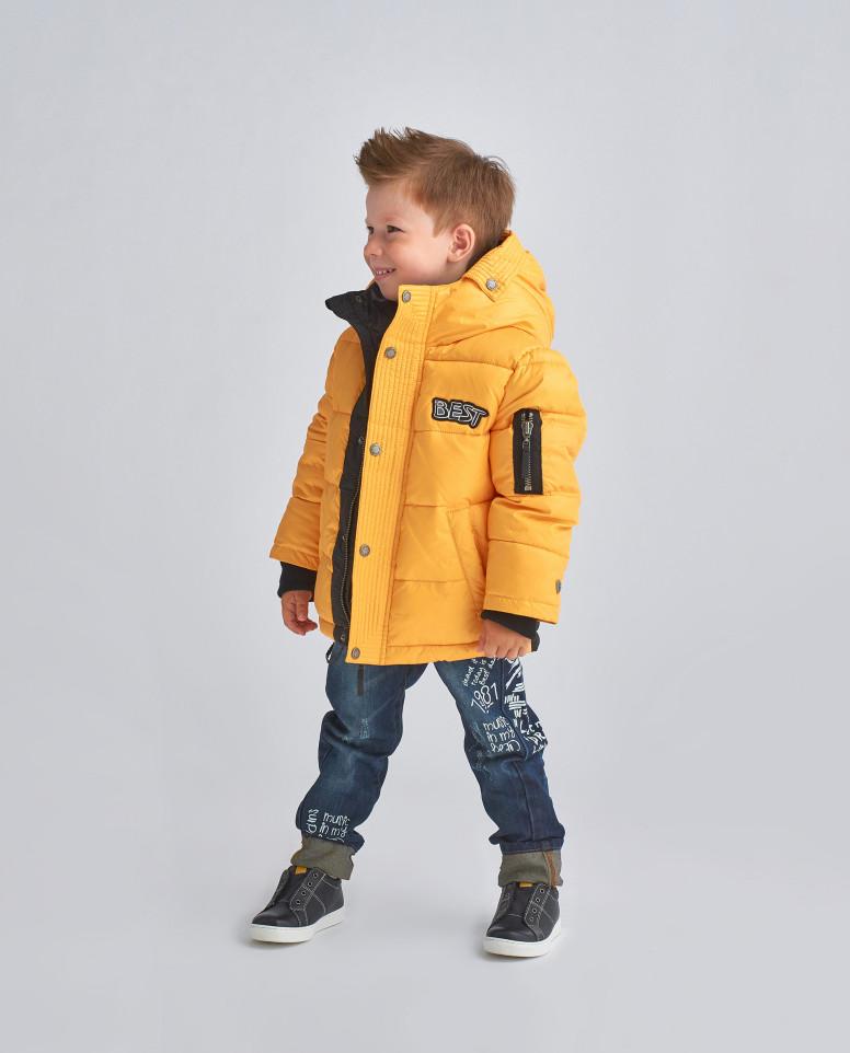 Желтая зимняя куртка