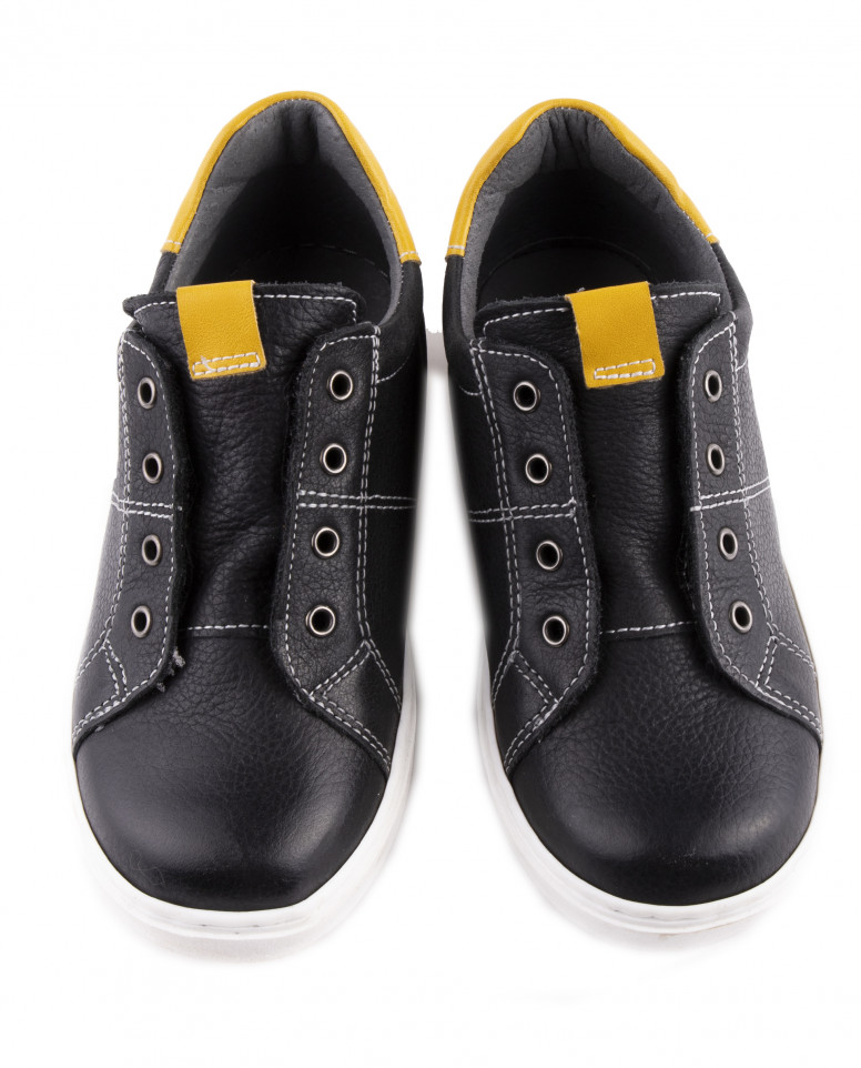 Черные кожаные кеды на липучках