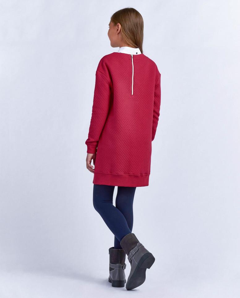 Красное платье из стеганого трикотажа