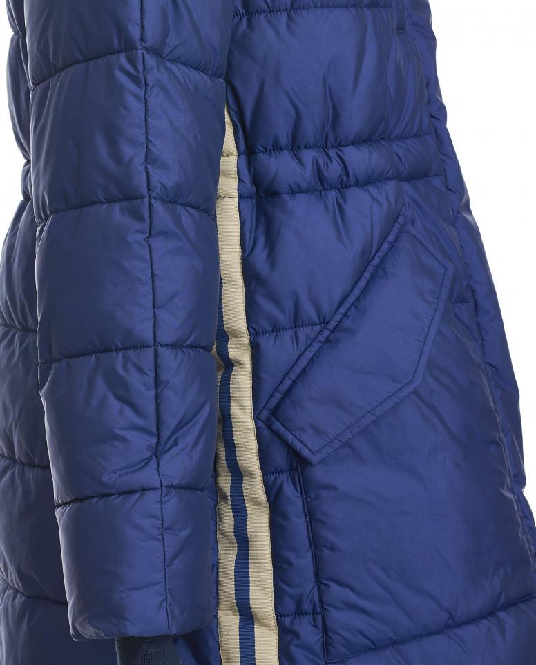 Пальто, декорированное тесьмой