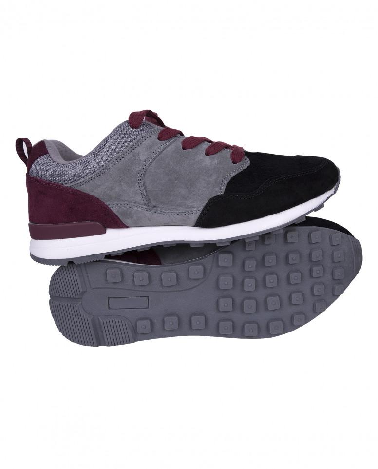 Серые с черным замшевые кроссовки