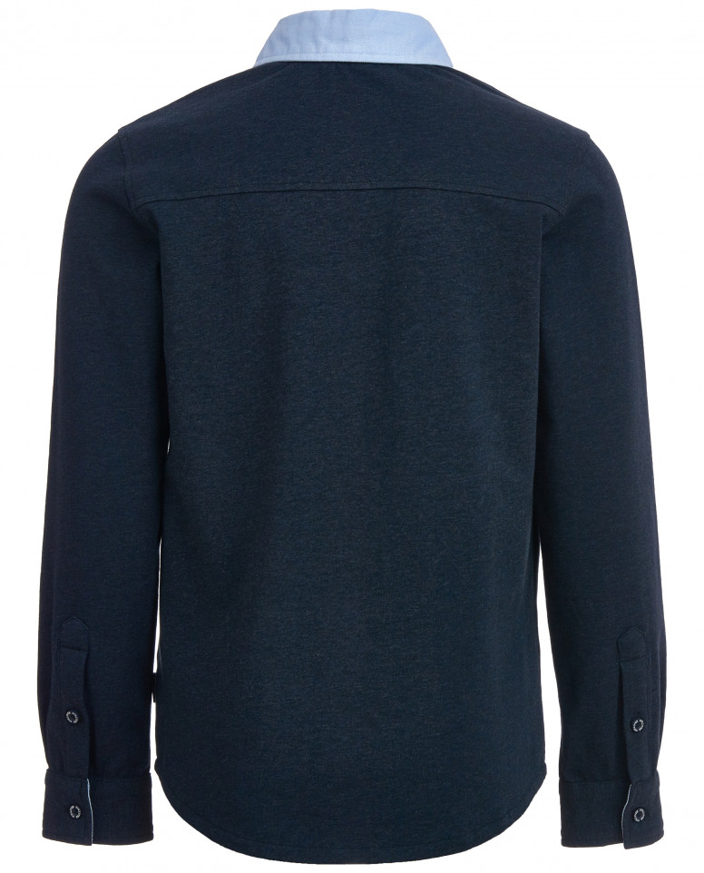 Синяя рубашка с голубым воротником