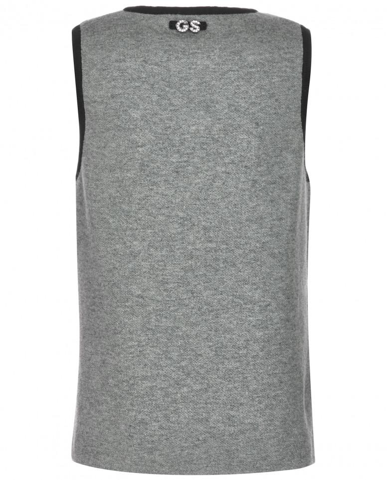 Вязаный серый жилет