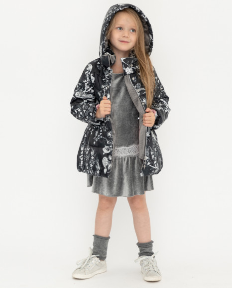 Черное демисезонное пальто с орнаментом