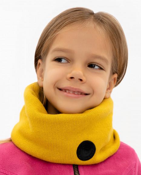 Желтый вязаный воротник