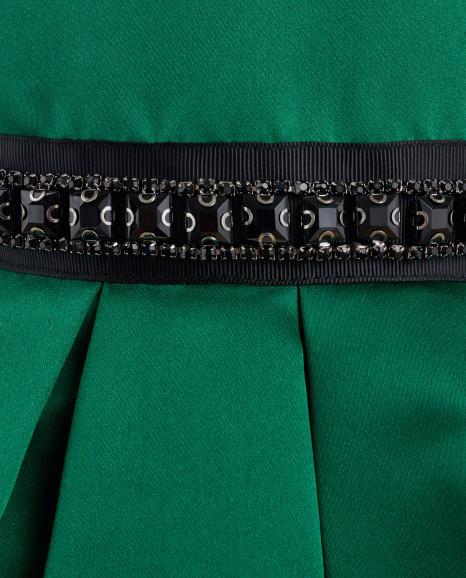 Зеленое нарядное платье