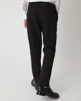 Черные узкие брюки